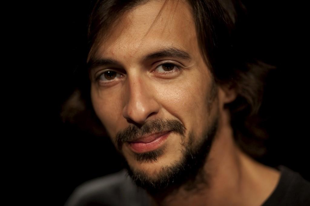 Bruno Nogueira reforça programa das manhãs da Antena 3