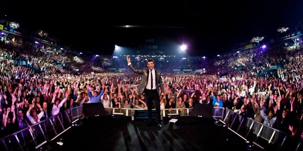 Tony Carreira confirma adiamento de concerto devido ao Coronavírus
