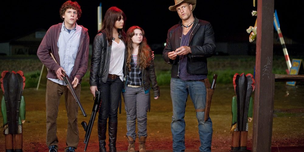 (l to r) Jesse Eisenberg, Emma Stone, Abigail Breslin and Woody Harrelson star in Columbia Pictures' ZOMBIELAND.